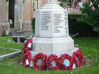 Forest Town war memorial, Nottinghamshire © Garibaldi College, 2014