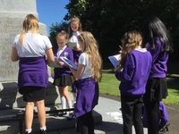 Yr 6 pupils at Denbigh Community Primary School carrying out a condition survey at Wallsend war memorial © Denbigh Community Primary School, 2018